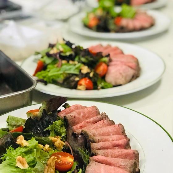 三田屋総本家のお肉でつくるローストビーフと前菜3品のレッスン