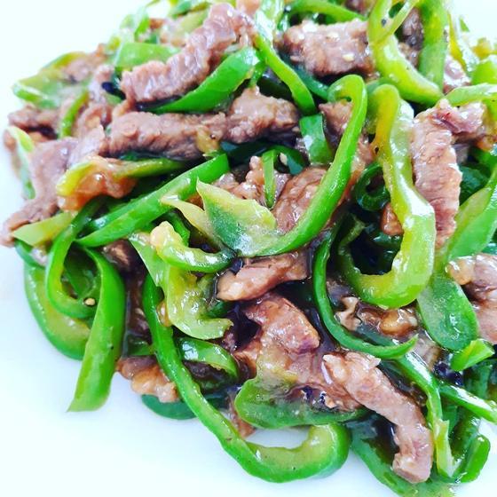 定番中華レッスン:青椒肉絲、トマト卵炒め、ピータン豆腐