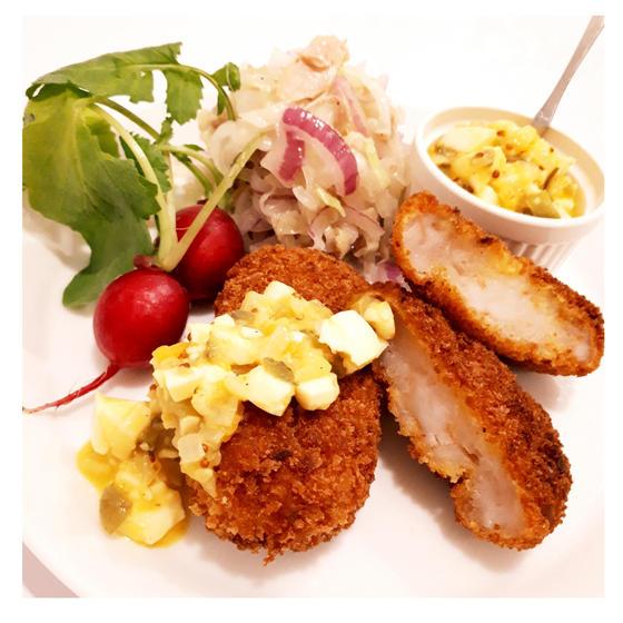 定番洋食:揚げない海老カツ、マヨ不使用タルタル、コールスロー