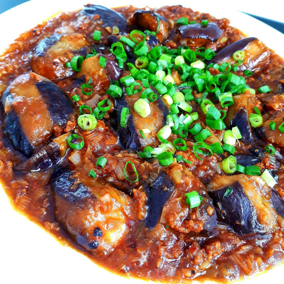 定番中華:揚げない四川麻婆茄子、あさりブロッコリー、豆苗生姜