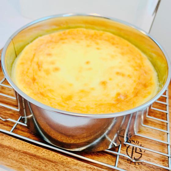 ACO'sベイクドチーズケーキ(焼き上がり)
