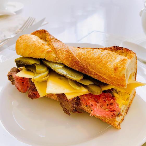 ローストビーフサンドイッチ