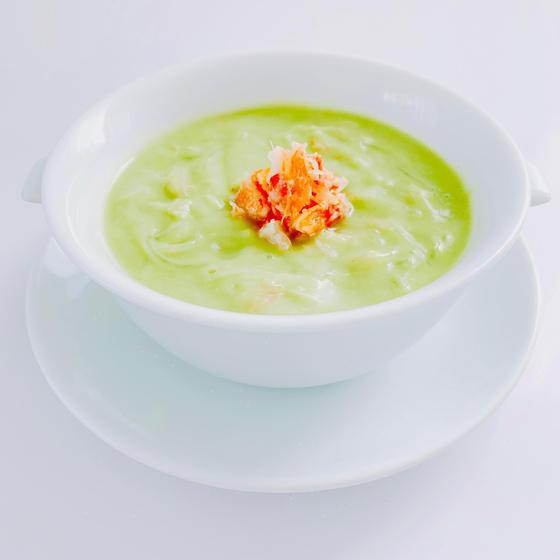 カニとアボカドのクリーミースープ