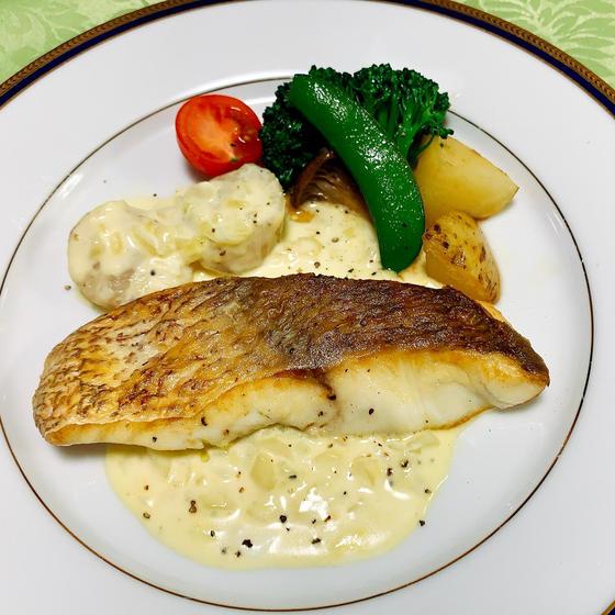 お家フレンチ 魚のムニエル&時短でオニオングラタンスープ