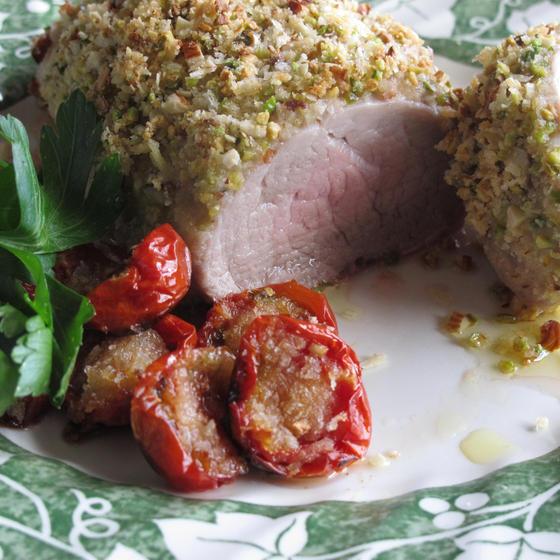 豚ヒレ肉のオーブン焼きピスタチオのクロスタ