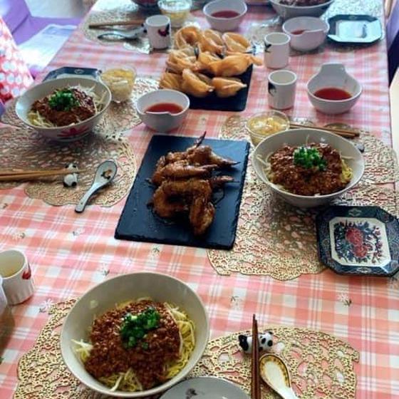 病みつき汁なし坦々麺、蜂蜜ペッパー手羽、揚げ蝦ワンタンコース