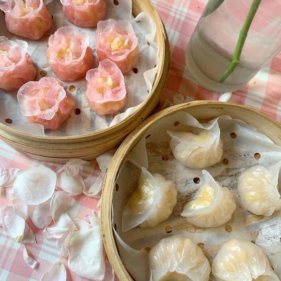 花形蝦餃子、香港屋台焼きそば、魚肉粥コース