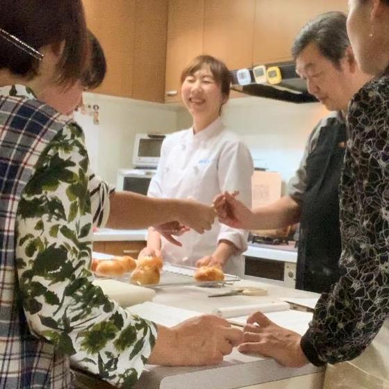 パン屋さんで売ってる翌日もふわふわパンが焼ける手ごねパン教室