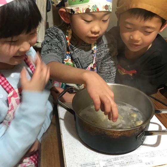 体験型こども料理教室「キッズ&ジュニアキッチン」