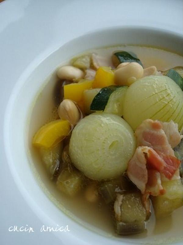 国産大豆とペコロスのスープ