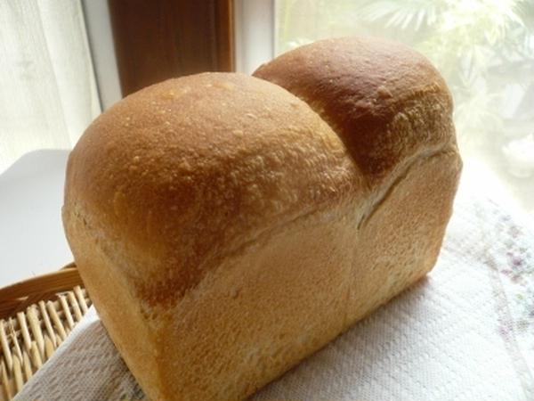 白神こだま酵母でシンプルな山型食パン