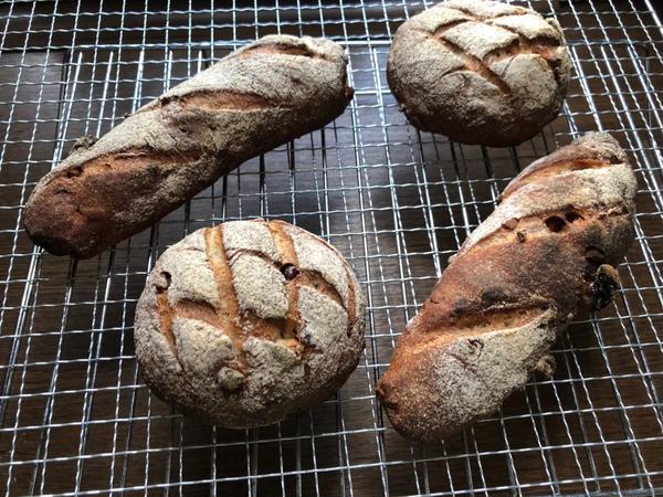 オンラインでレッスンで生徒様が自宅で次の日焼いたパン。