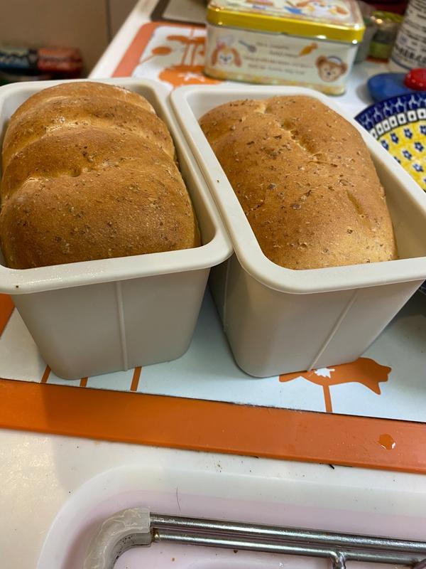 生イースト使用グラハムブレッド。焼いたパン