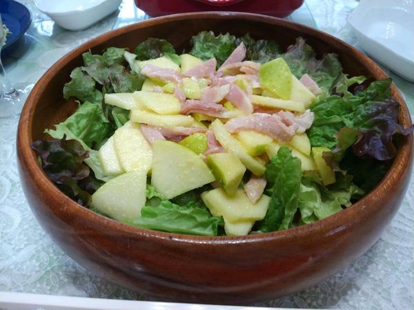 鶏肉とリンゴのサラダ