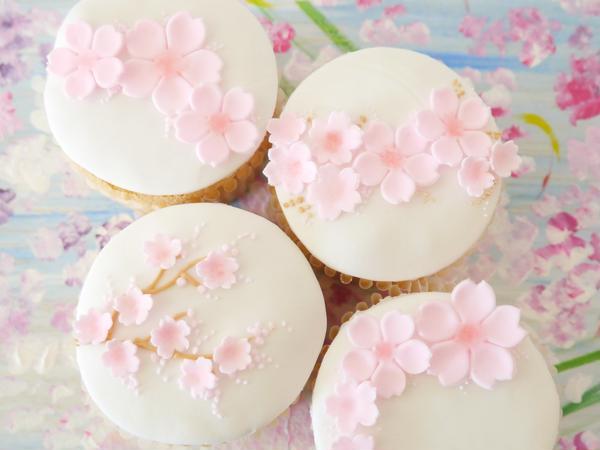 桜のカップケーキ