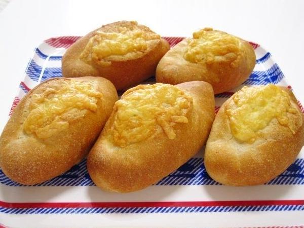 リーン生地にチーズたっぷりのフロマージュ。
