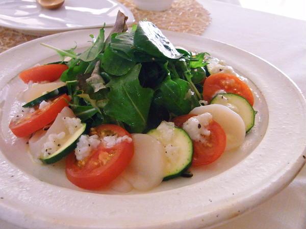 帆立とトマト、ズッキーニの塩麹サラダ