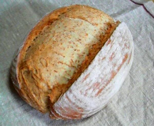 全粒粉の大型鍋パン