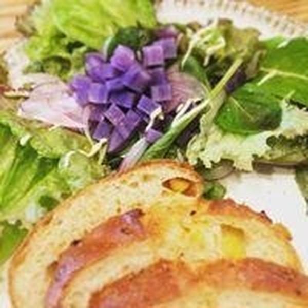ご試食時には季節に合わせたサラダやスープも。
