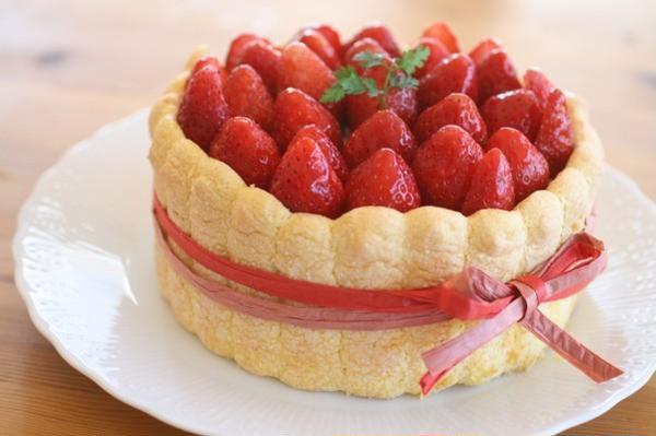 3/4月お菓子レッスンの『シャルロット・オ・フレーズ』♪