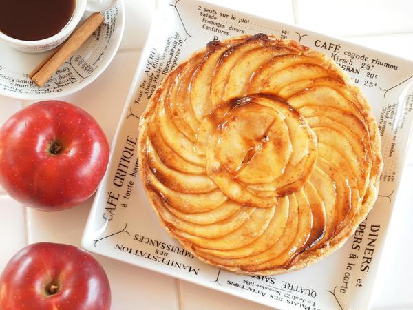 11月のレッスンではリンゴのタルトを作ります。
