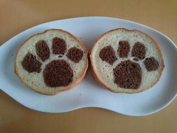 デコ食パン 肉球