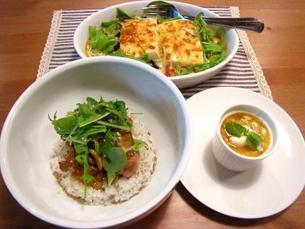 11月は、柚子胡椒照り焼きチキンと豆腐のグラタン!