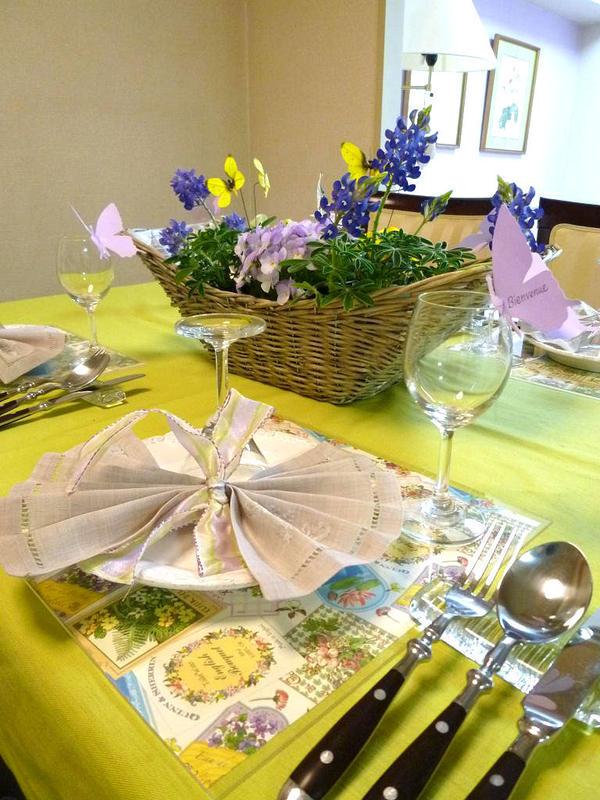 2010年5月 『パピヨンが舞う春のテーブル』