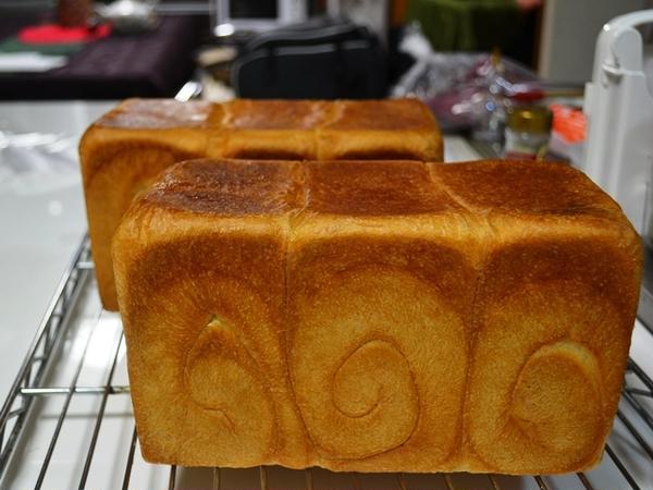 中級パン③生クリーム入り角食 プルマン