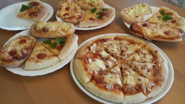 もちもちのピザが焼きあがりました~!