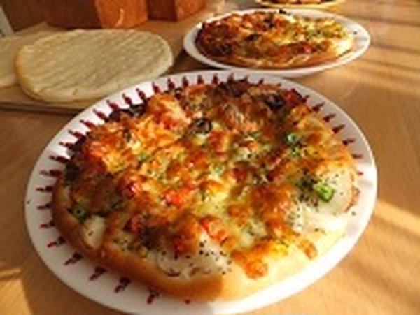 ファミリーコース1のピザ