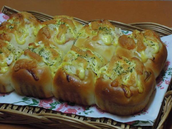 ベーコン&オニオンパン、ふわふわした生地で美味しいです