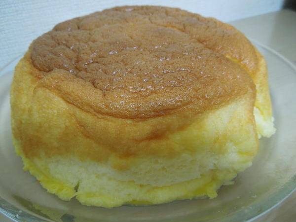 紅茶とお菓子のレッスンで作るスフレチーズケーキです。