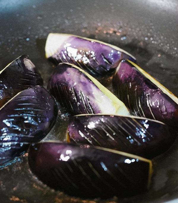 カモナスを油で焼いて