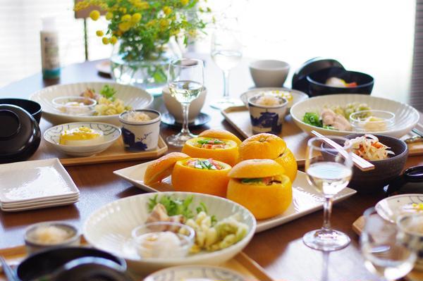 早春のテーブル
