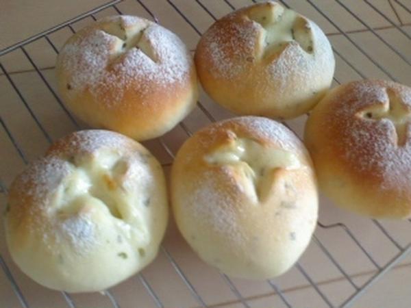 フレッシュバジルのパンです。