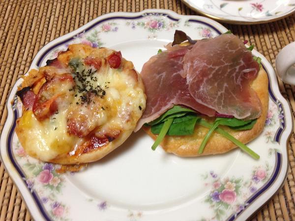 🍕の試食は生ハムサラダピザが必ず登場します。