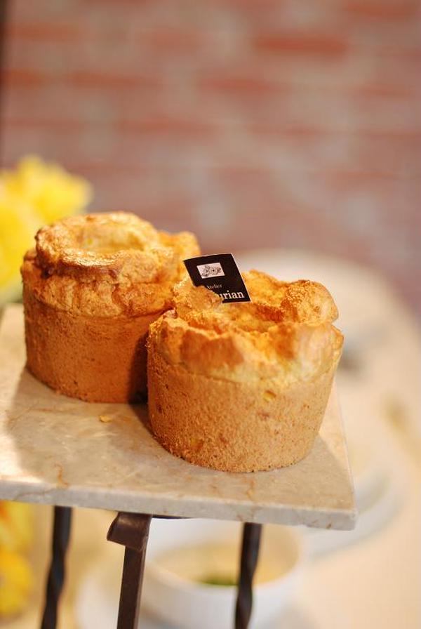 お砂糖と一切使わずに焼き上げるお食事シフォンはパン代わりに♪
