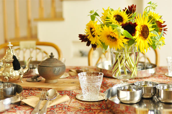 夏のエスニックなテーブルコーディネート
