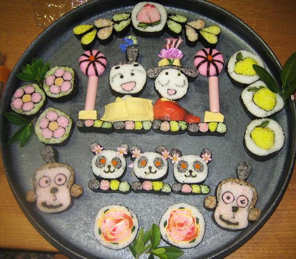 おひな祭りにはお雛様の盛り合わせでお祝いです。