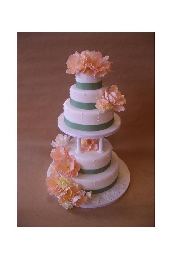 ご自身のウエディングケーキでケーキカット。
