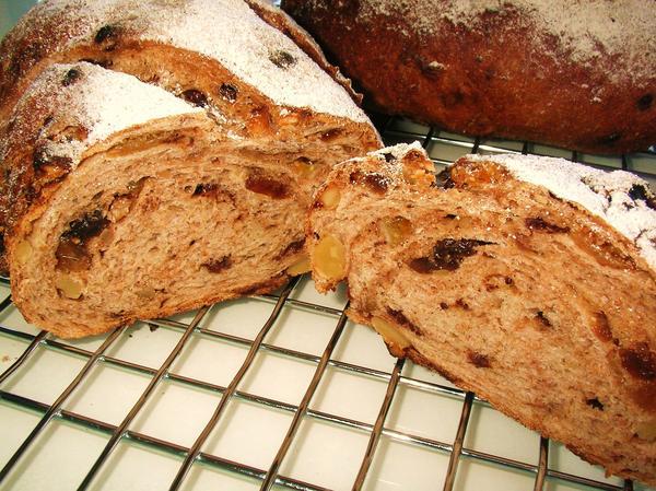 家庭用のオーブンでもお店顔負けの美味しいパンが焼けちゃいます