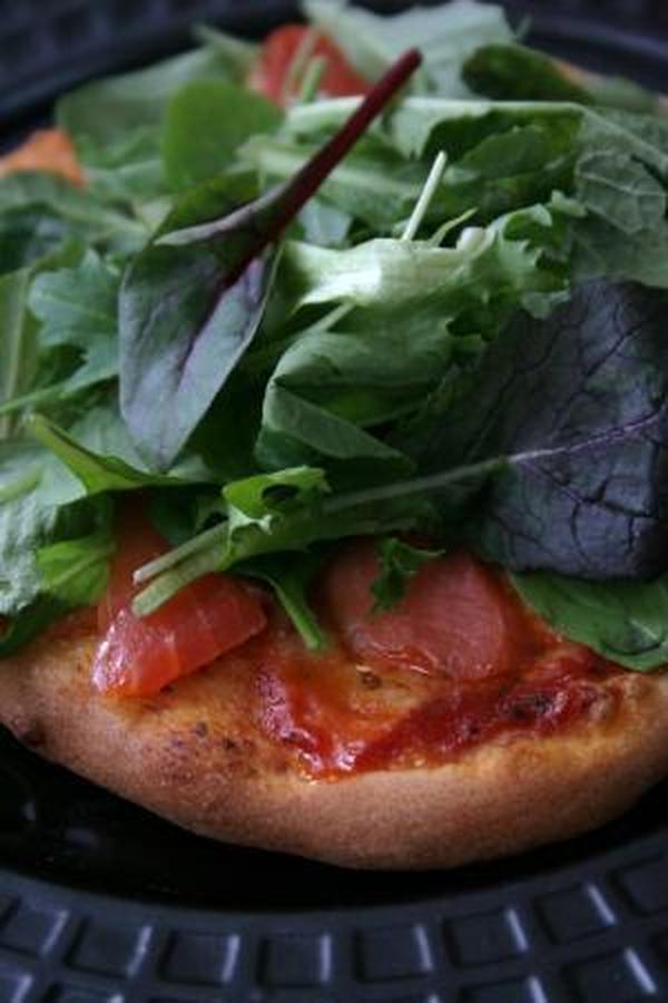 サラダピザでランチ