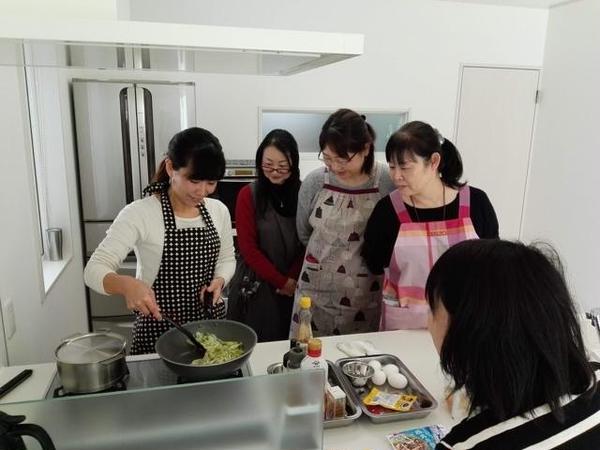 コツやポイントは調理を見ながら確認してもらいます