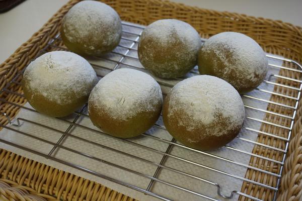 3.8「米粉と抹茶の豆大福」Yさんの作品