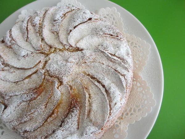 りんごがたっぷり♫素朴なケーキ