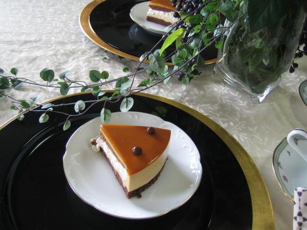 ランチ後のケーキを試食コーヒーと一緒に頂きました