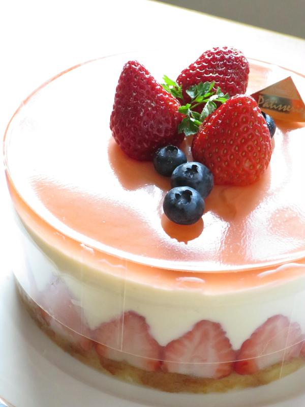 ケーキレッスン イチゴのレアチーズケーキ