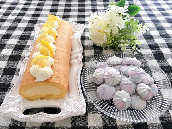 レモンロールケーキとメレンゲクッキー