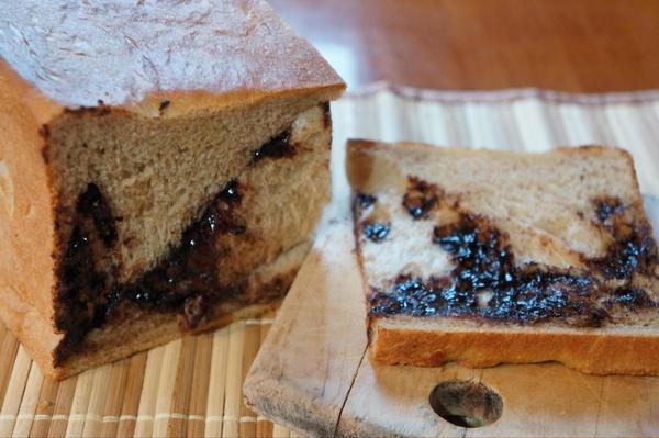 6月のミルクティー生食パンのチョコレートです。